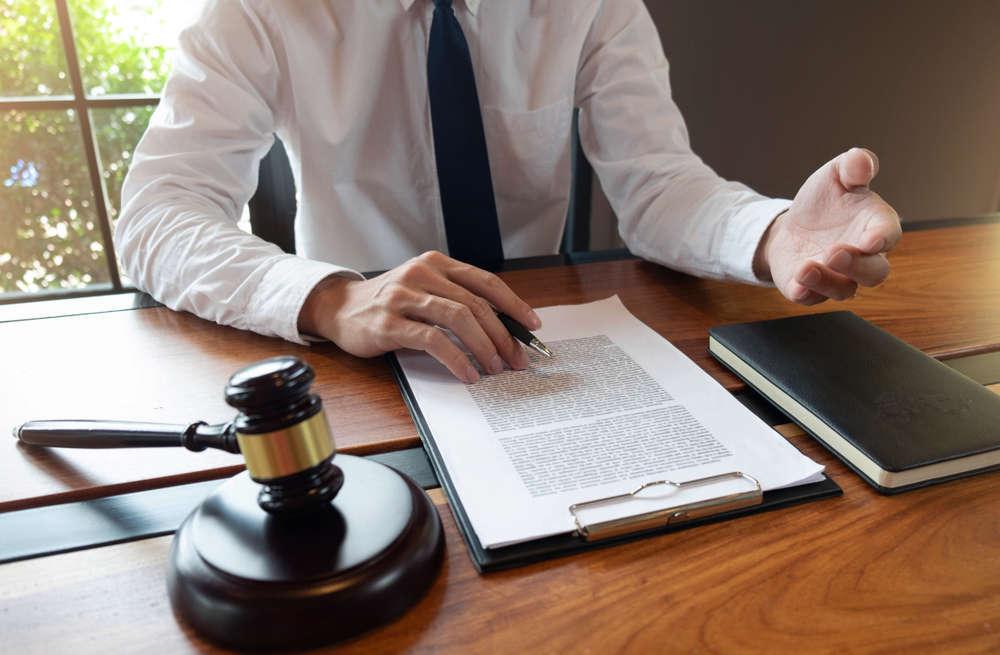 La ayuda a los trabajadores ante el vacío legal provocado por el COVID-19 genera reseñas positivas para los gabientes de abogados